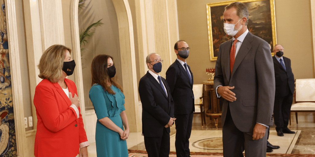 S.M. el Rey Felipe VI recibe en audiencia a los economistas
